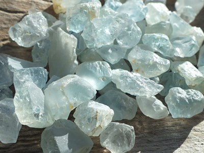 blue topaz raw chunks