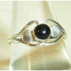 Black Onyx Delicate Ring (Size P)